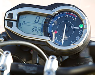 Instrument clusters for motorcycles